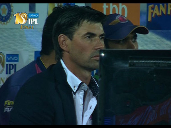 Why did Stephen Fleming dress like football coach for IPL 2017 final?