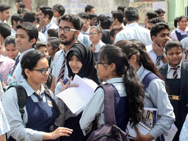 <i>Khoob Padho Aage Badho</i>, Yogi govt's campaign to ensure 100% enrollment in schools