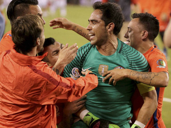 Confederations Cup: Chile crush Portugal on penalties to reach final