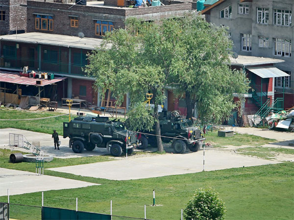 J&K: DPS encounter ends, two militants killed