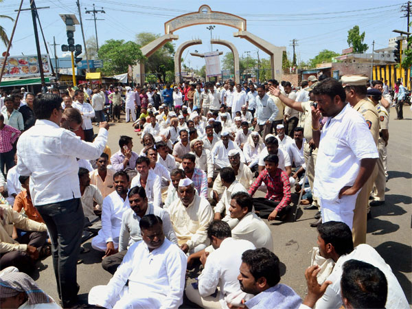 As farmer agitation spread to 5 more MP districts, centre rushes 1,100 security personnel