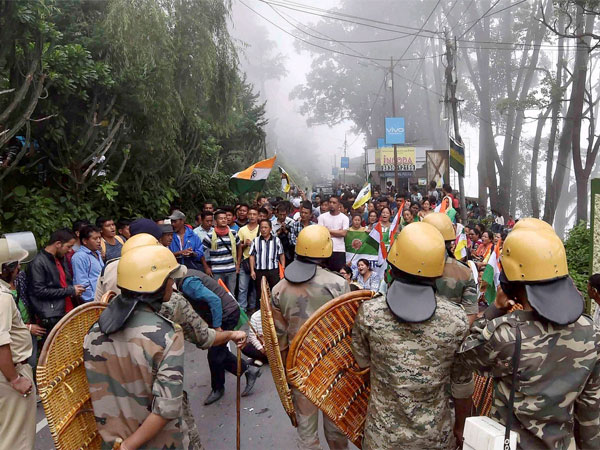 Gorkhaland protest turns violent: First death reported in Darjeeling
