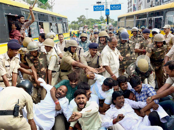 MP farmers block national highways; 9 arrested. (Representative image)
