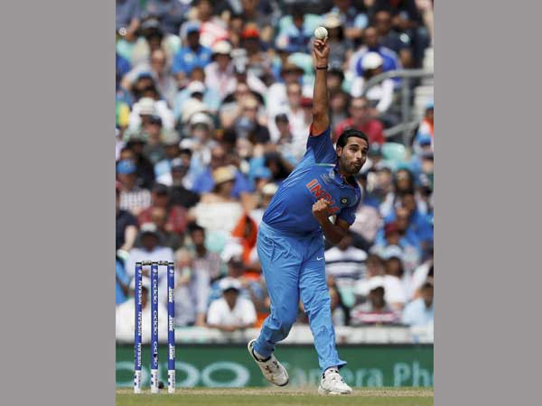 Bhuvneshwar Kumar bowls against South Africa in Champions Trophy