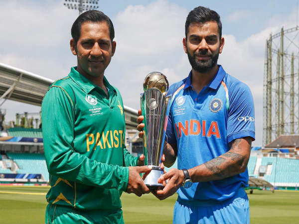 From left: Pakistan captain Sarfraz Ahmed and Indian captain Virat Kohli