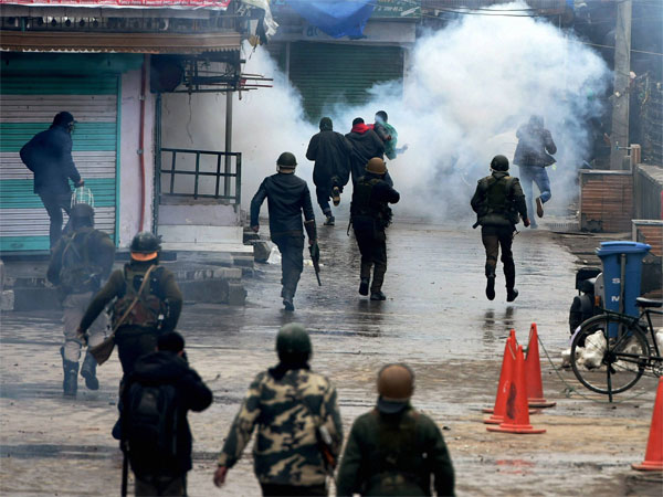 Reason why cops in Kashmir are being killed: Ex R&AW chief Sahay explains