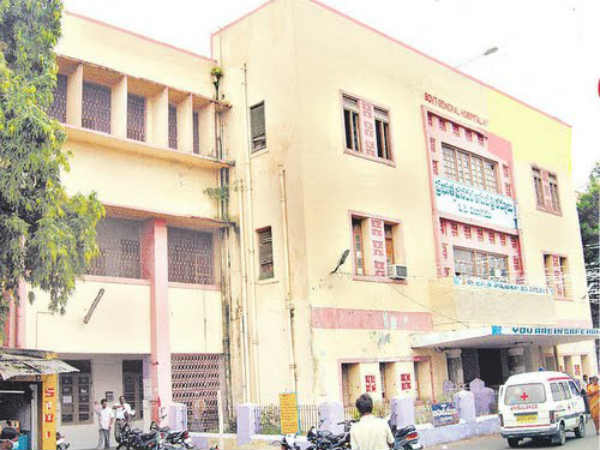 20 including 8 children die during 12-hour blackout in Kurnool hospital
