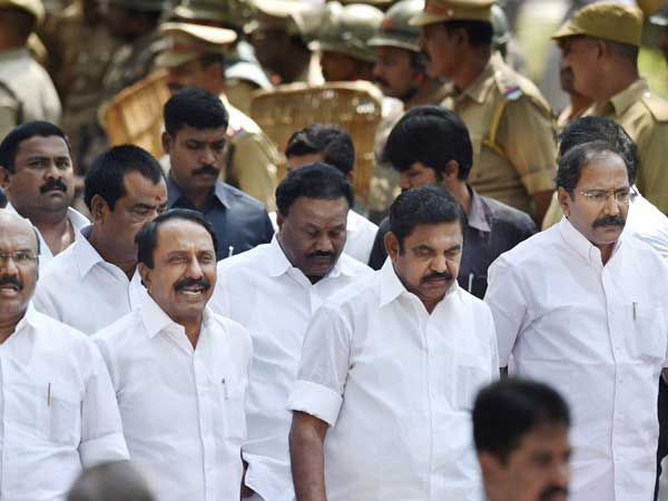 AIADMK symbol row: As EC deadline ends, EPS camp leads the numbers game