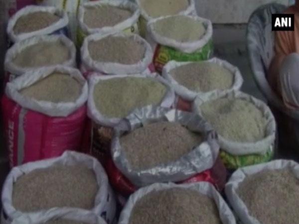Decoding the plastic rice rumour