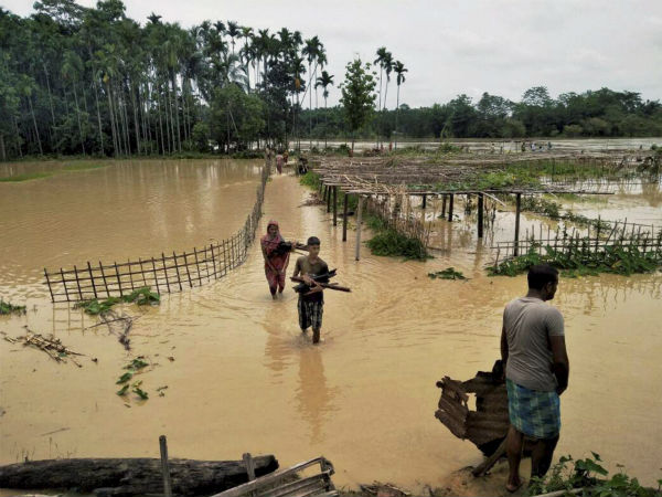 Assam villages, submerged in flood water for 1 month, wait for govt help