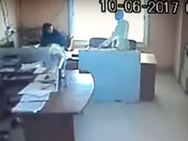 Caught on camera: Contract worker kicks, assaults Raichur corporation woman staffer