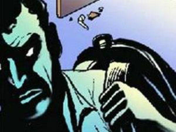 Elderly couple held captive at home, money jewellery worth Rs 10 lakh robbed