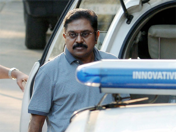 TTV Dinakaran to meet VK Sasikala in Bengaluru