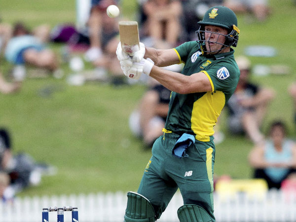 England rout South Africa in first game