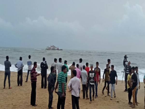 Karnataka: Indian Coast Guard rescues 27 workers from flooded ship