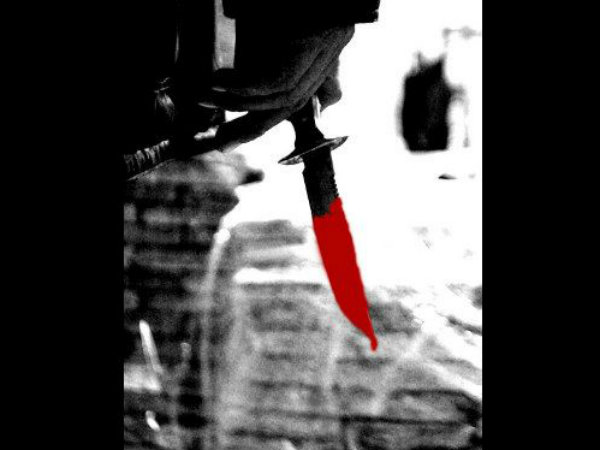 Man beheads wife, carries her head to police post & surrenders
