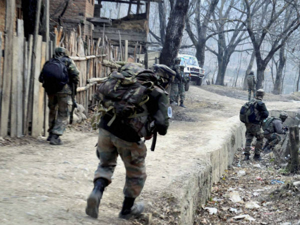 Clash between stone-pelters and security forces in J&K's Shopian, one killed