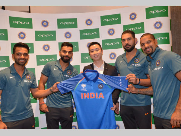 Indian players at OPPO's special jersey handover ceremony