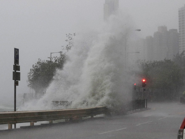 Typhoon Merbok makes landfall in China, 100,000 evacuated