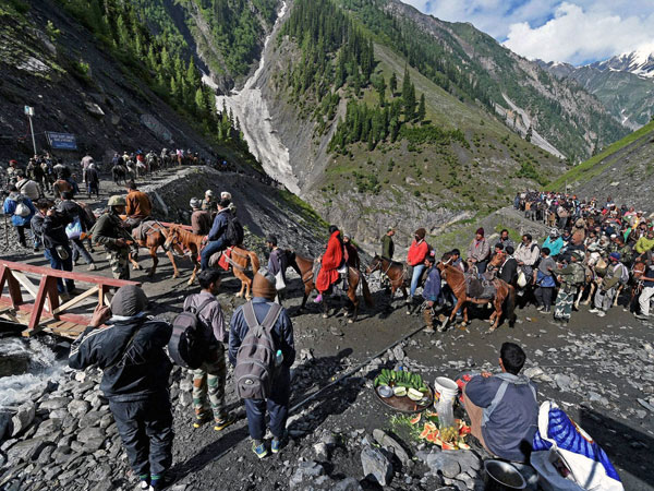 Around 80,000 pilgrims perform Amarnath Yatra in 6 days amid security
