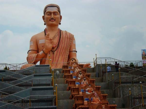 How are Veerashaivas and Lingayats different? - Oneindia News