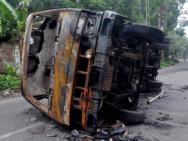 West Bengal: Congress, BJP,CPM leaders stopped from visiting violence-hit Basirhat