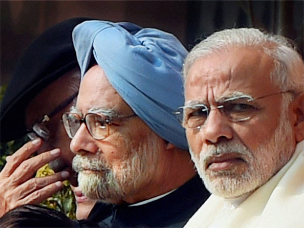 Narendra Modi, Manmohan Singh Photo credit: PTI