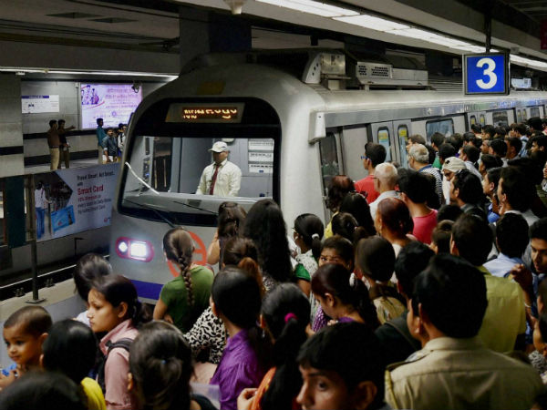 Namma Metro resumes service, ESMA warning for striking workers does the trick