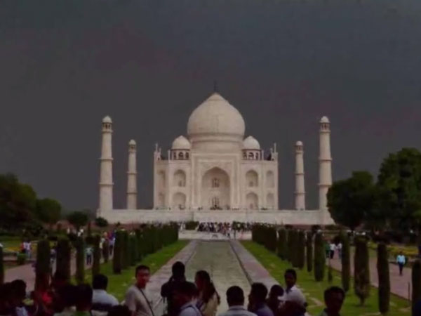 Uttar Pradesh Budget leaves Taj Mahal out of cultural heritage site