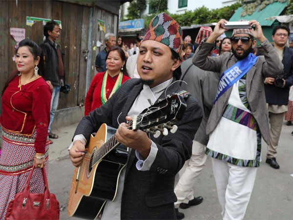 Gorkhaland supporter killed in 'police firing', Darjeeling shutdown enters 34th day