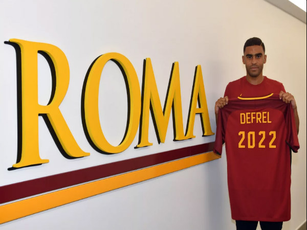 Official: Roma confirm signing of striker Gregoire Defrel from Sassuolo