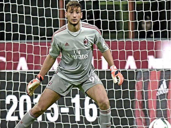 Gianluigi Donnarumma accepts contract extension with AC Milan