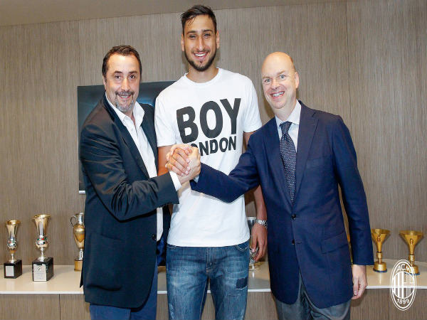 CONFIRMED: AC Milan goalkeeper Gianluigi Donnarumma signs new four-year contract