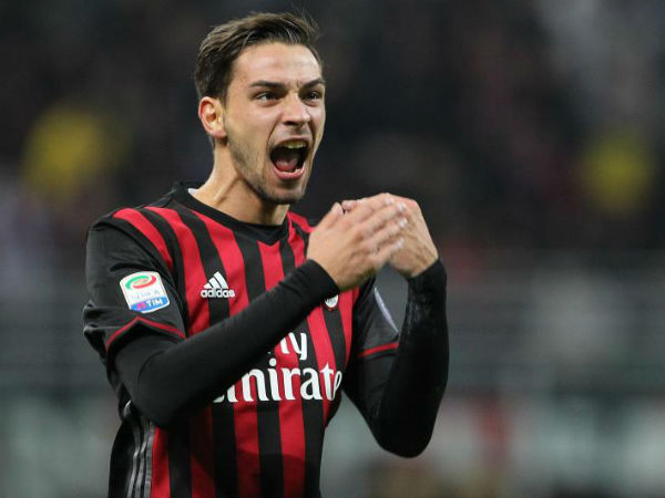 Mattia De Sciglio inks five-year contract with Juventus