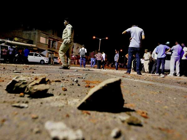 Communal violence in Bengal; Centre rushes paramilitary troops