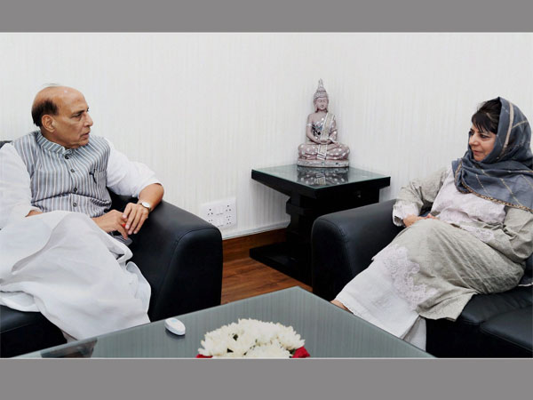 Home Minister Rajnath Singh and Jammu and Kashmir Chief Minister Mehbooba Mufti during a meeting in New Delhi. PTI file photo