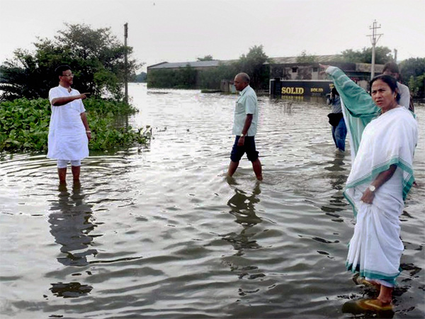 Flood situation improves in West Bengal, Rs 7,000 cr loss to agriculture sector