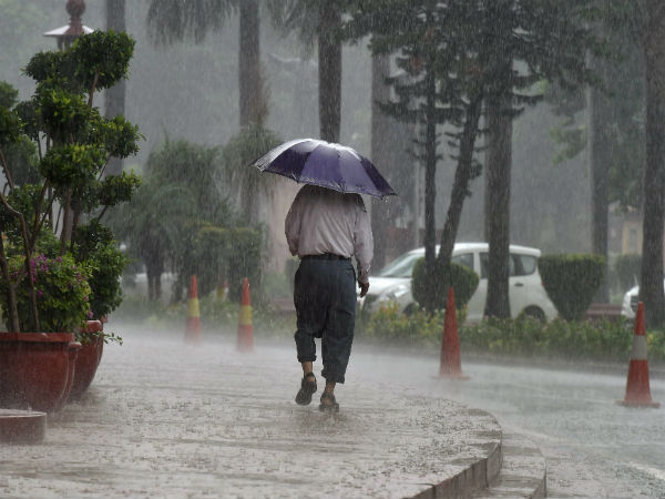 Weather: August 14 forecast, moderate rains to persist in Mumbai