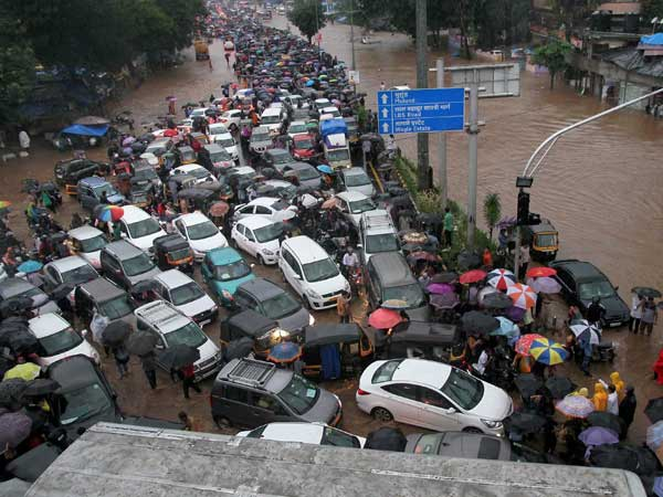 Mumbai rains: Leave of all BMC employees cancelled