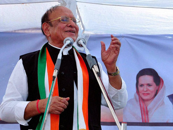 Ahmed Patel stand no chance, wont cross 40 votes says Vaghela