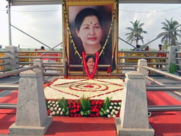 Merger move: AIADMK constitutes committee to probe Jaya's death
