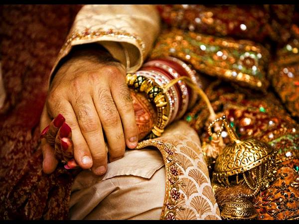 Maneka Gandhi takes up case of minor's marriage to Omani