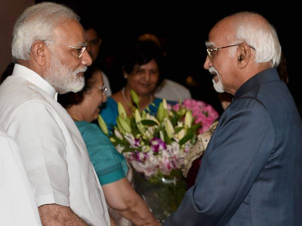 PM Modi along with Hamid Ansari