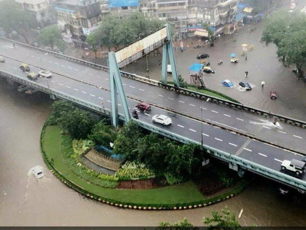 Heavy rains lash Mumbai city again, flight operations suspended