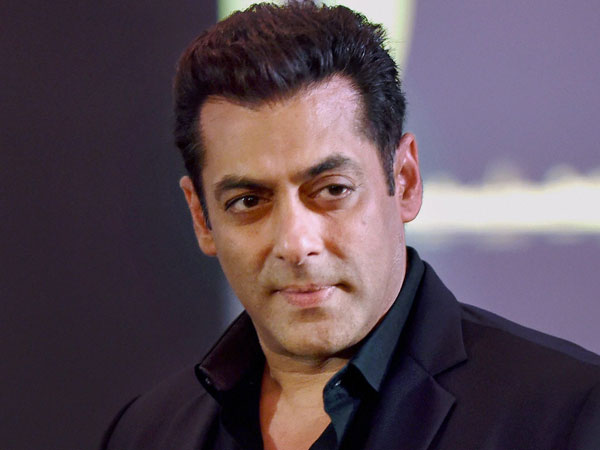 Arms act case: Salman Khan appears before court, signs bail bond