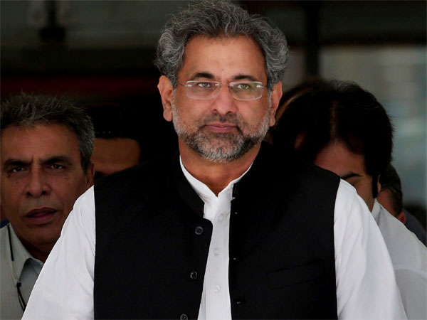 PM Abbasi announces Rs25bn uplift package for Karachi