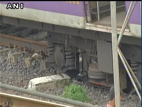 Another Rail accident: Four coaches of Harbour line train derails in Mumbai