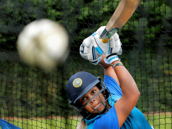 Telangana announces Rs 1 cr cash prize, house site for Mithali Raj