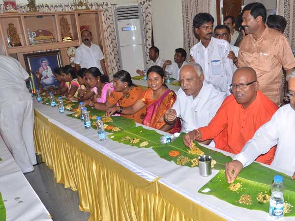Lunch for Dalits at Yeddyurappa home on August 28, Congress sees opportunism