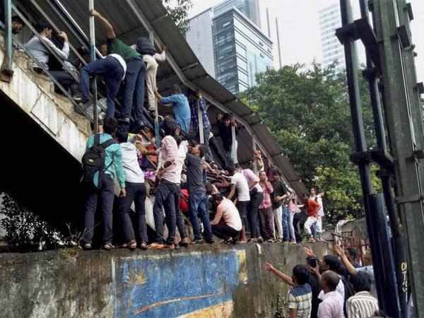 Passengers caught in stampede